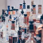 Ako vybrať alkohol: 70+ rozdelení, rád a tipov